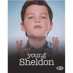 "Iain Armitage Signed ""Young Sheldon"" 8x10 Photo (Beckett COA)"