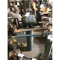GE 7.5 HP 220/440/600 VAC DUAL PEDESTAL GRINDER