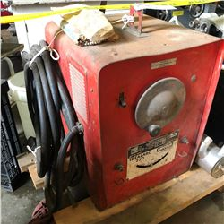 LINCOLN IDEAL ARC 250 WELDER WITH CART