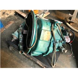 TWIN  DISC MODEL MG 5075 A MARINE TRANSMISSION COMES WITH CART AND PICTURED PARTS, CONDITION