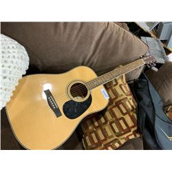 Fender Starcasteracoustic guitar with case