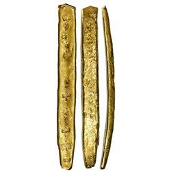 "Long gold ""finger"" bar #21, fineness XXI (21K), 988 grams, ex-Atocha (1622)."