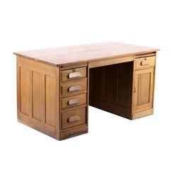 Early Quarter Sawn Oak Executive Desk