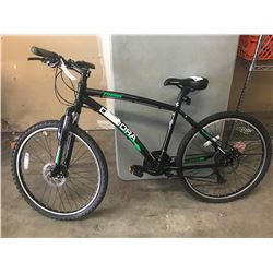 BLACK DIADORA MOUNTAIN BIKE