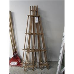 APPROX 7 WOOD TRELLIS