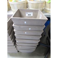APPROX 9 NEW GREENSHIP 31X31X25 CM PLANTERS