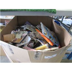LARGE BOX OF ASSORTED KIDS TOYS/ITEMS (BOOKS, STICKERS, BUBBLES, TOYS, LANYARDS, SOCKS, ETC)