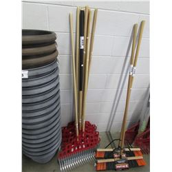 """APPROX 5 NEW GARANT """"RAKE IT UP IN ONE PASS"""" RAKES"""