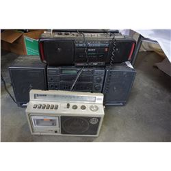 3 VINTAGE BOOMBOXES