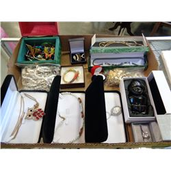 TRAY OF JEWELLERY NECKLACES