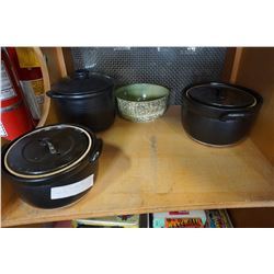 LOT OF POTTERY BOWLS AND LIDDED POT