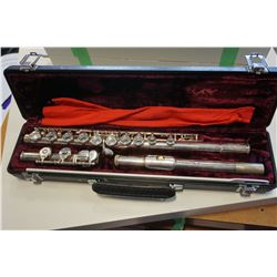 BUFFET CRAMPON 228 FLUTE AND CASE