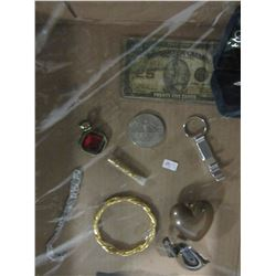 TRAY OF JEWELRY, SHIN PLASTER, WORLD TOKENS & COLLECTIBLES