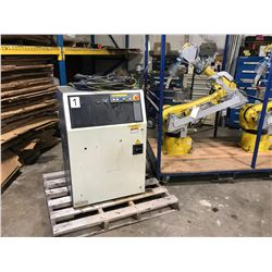 2004 Fanuc M16iB 20 Robot with R30iA Control M-16iB/20 *LOW HOURS*