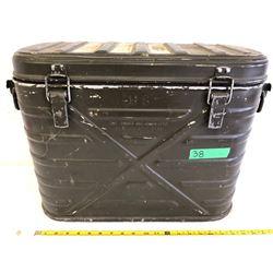 METAL US MILITARY AMMO BOX - 1982