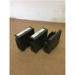 (3) Siemens 1P 6ES7 370-0AA01-0AA0 & 1P 6ES7 321-1BH02-0AA0 Output Module