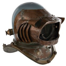 Hero 'Nautilus' crewman 'baldy style' dive helmet from 20,000 Leagues Under the Sea.