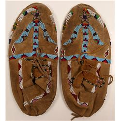 Native American Moccasins / 1 pair.  109600