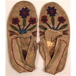 Native American Moccasins / 1 pair.  109601