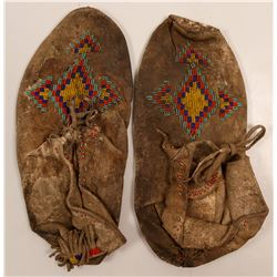 Native American Moccasins / 1 pair.  109603