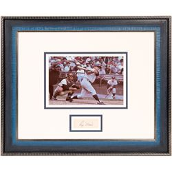 Framed 8 x 10 w/cut signature Roger Maris  104561