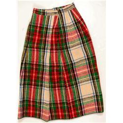 Skater's Skirt & Christmas Tin  109486