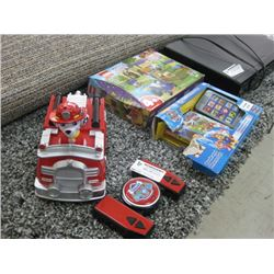 PAW PATROL R/C FIRE TRUCK LEGO PUZZLE AND BOOK