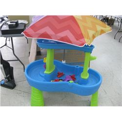 PLASTIC SAND AND WATER TABLE