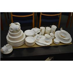Selection of Royal Albert Val D'or china dinnerware including eleven dinner plates, ten luncheon pla