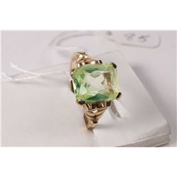 Ladies 10kt yellow gold and green gemstone ring