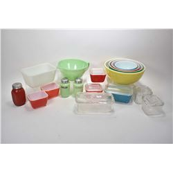 Selection of vintage glass kitchenware including FireKing, Pyrex and Glasbake, refrigerator lidded d