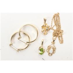 Selection of gold jewellery including 14kt yellow gold chain and opal pendant, 10kt gold nugget pend