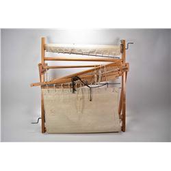"Nylus brand ""Leclerc"" table top weaving loom"