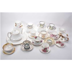 Large selection of china collectibles including twelves cups and saucers including Royal Albert, Roy