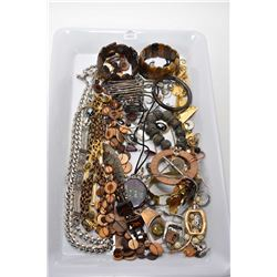 Large tray lot of collectible jewellery including designer pieces, stelring silver, earrings, neckla