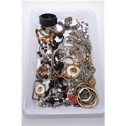 Tray lot of collectible jewellery including leather, statement necklaces, bangles, sterling silver,