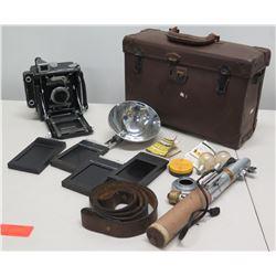 Speed Graphic Graflex Vintage Camera w/ Case, Flash & Accessories