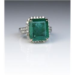 Spectacular 9.25 carat Emerald and Diamond Ring