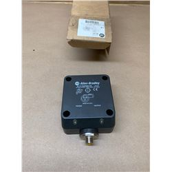 Allen-Bradley 871F-R50N80-R3 Proximity Sensor
