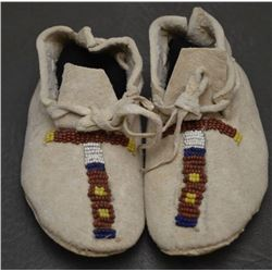 PLAINS INDIAN BABY MOCCASINS