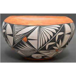 LAGUNA INDIAN POTTERY BOWL (PINO)