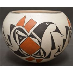 ACOMA INDIAN POTTERY JAR (EMMA LEWIS)