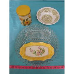 LOT OF ASSORTED GLASSWARE AND 1 TIN