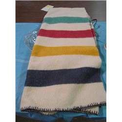 FOUR POINT HUDSON BAY STYLE BLANKET