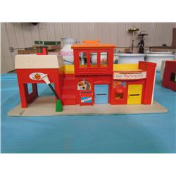 THREE ASSORTED FISHER PRICE BUILDINGS (SOME DAMAGE)