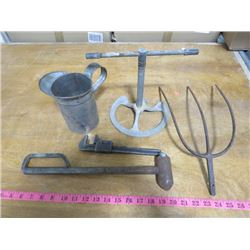 LOT OF MISCELLANEOUS TOOLS, SPRINKLER & OIL CAN