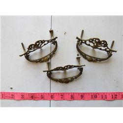 LOT OF 5 METAL DRESSER HANDLES / HARDWARE