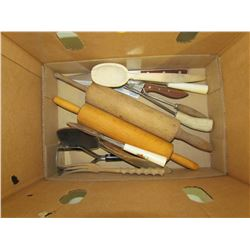 ASSORTED KITCHEN UTENSILS (12)