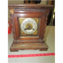 WOODEN CLOCK WITH PENDULUM & KEY
