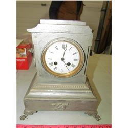 MARBLE CLOCK (HAS DAMAGE ON TOP CORNER)